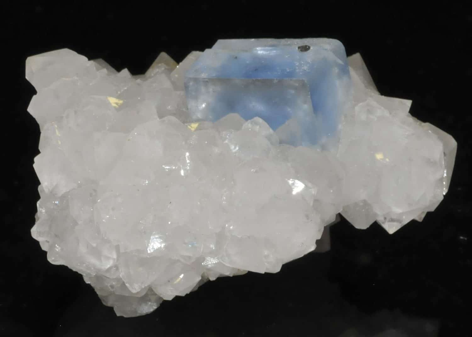 Blue fluorite from Burc (Burg, Tarn, France)