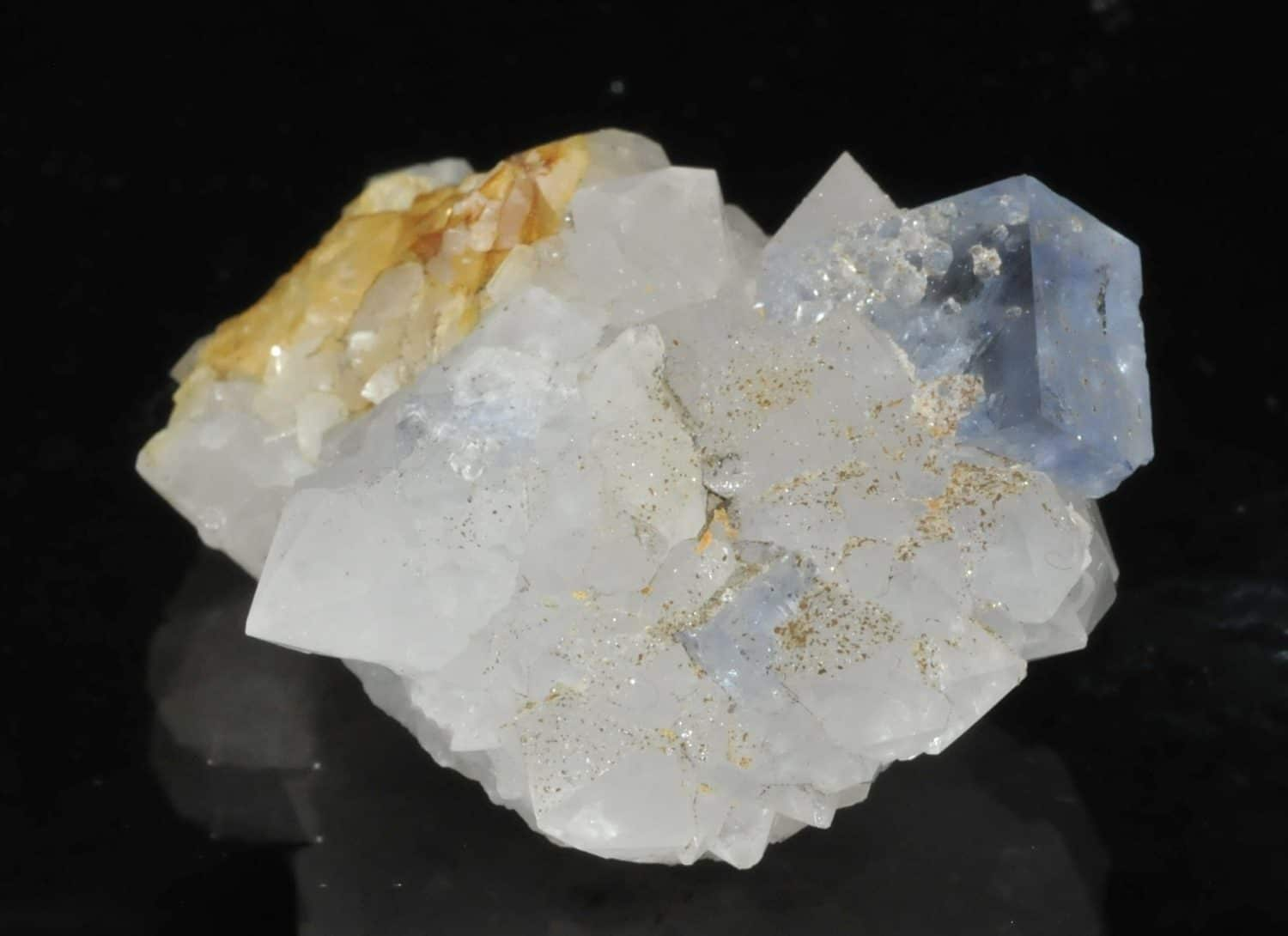 Blue fluorite and quartz from the mine of the Burc (at the Burg, Tarn, France)