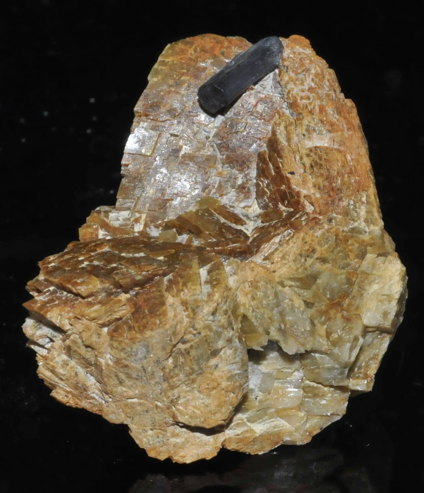 Bournonite on siderite from Saint-Pons (Alpes-de-Haute-Provence, France)