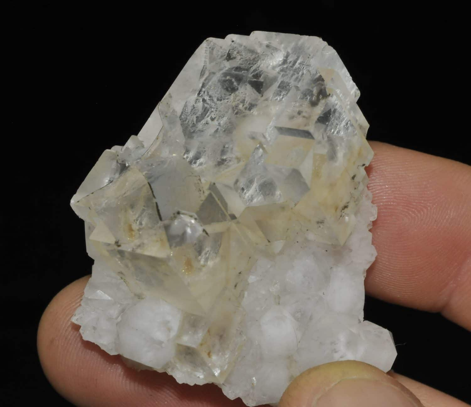 White fluorite from the Montroc mine (Tarn, France)